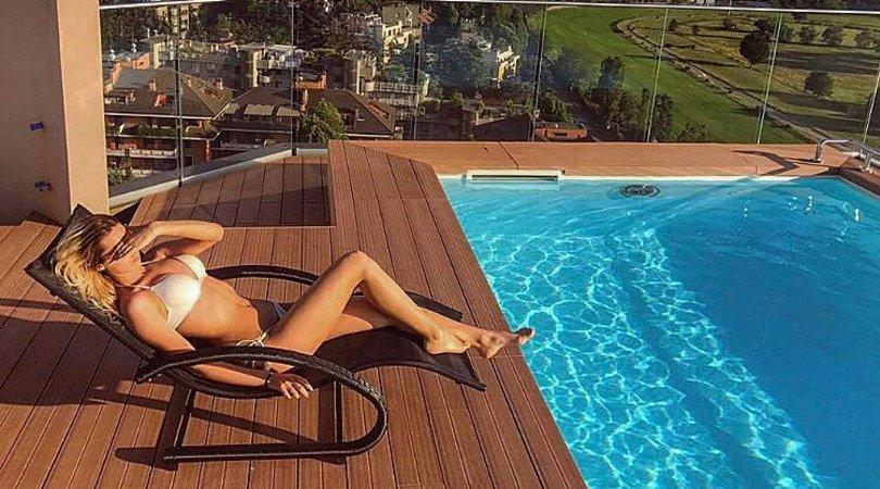 La sorella di Brozovic sexy in piscina