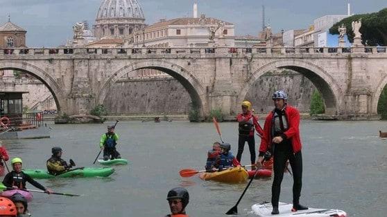 Discesa Internazionale del Tevere: che festa a Roma