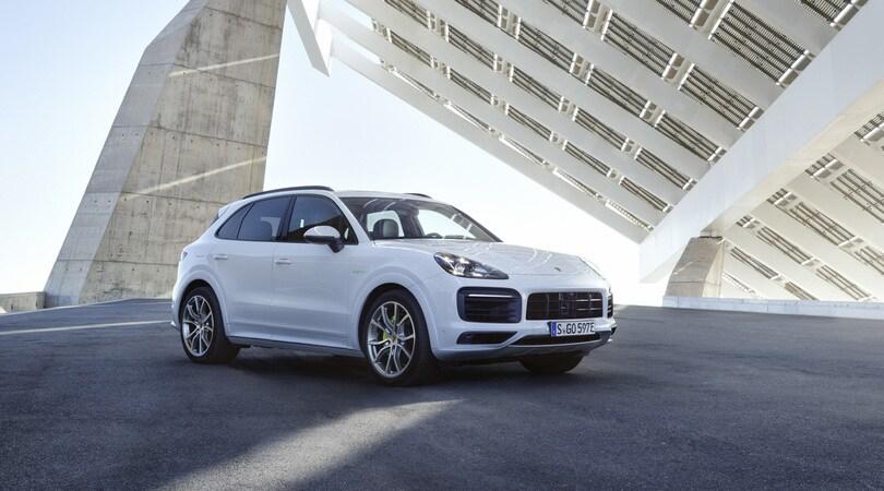 Porsche Cayenne E-Hybrid, gioco di coppia