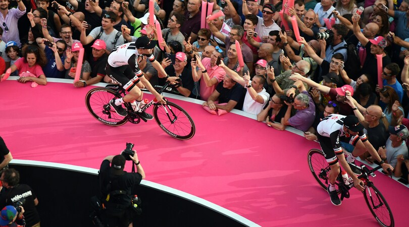Via al Giro d'Italia: si parte da Gerusalemme