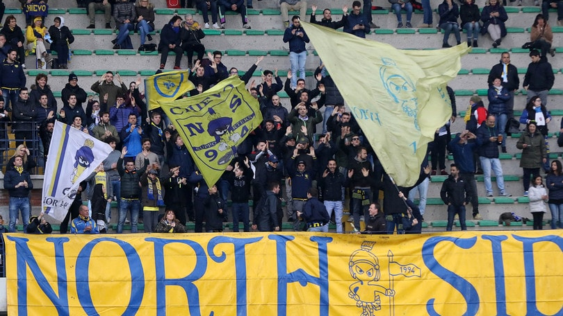 Serie A, tensione tifosi Chievo: schiaffi al team manager Pacione