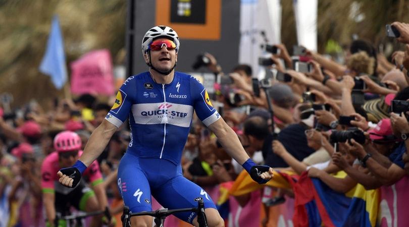 Giro d'Italia: a Viviani la 2ª tappa. Dennis nuova maglia rosa