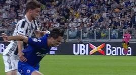 Juventus-Bologna: il contatto fra Rugani e Crisetig