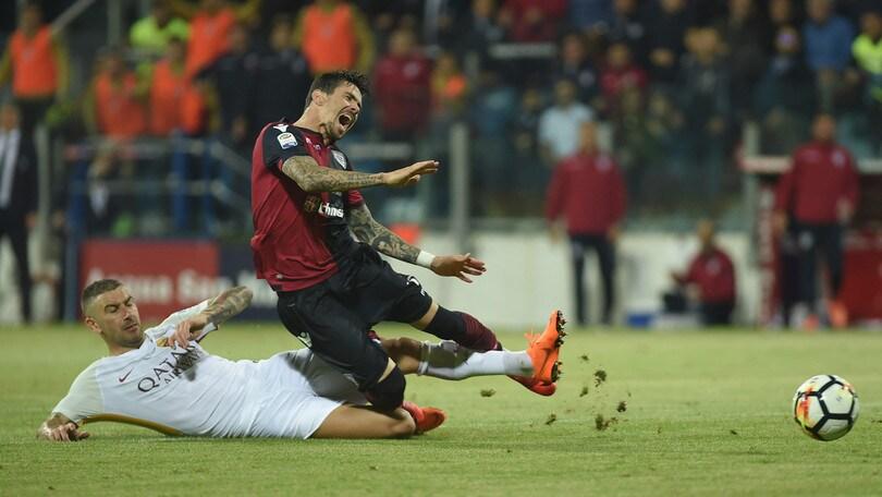 Serie A Cagliari, Farias e Klavan si allenano a parte