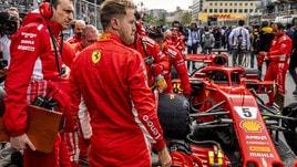 F1, piloti in griglia 10 minuti prima