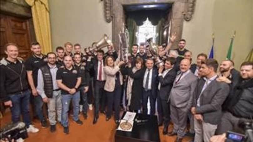 Volley: Superlega, Perugia festeggia il triplete con le istituzioni
