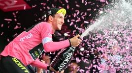 Giro d'Italia, 6ª tappa: Chaves vince sull'Etna, Yates è la nuova maglia rosa