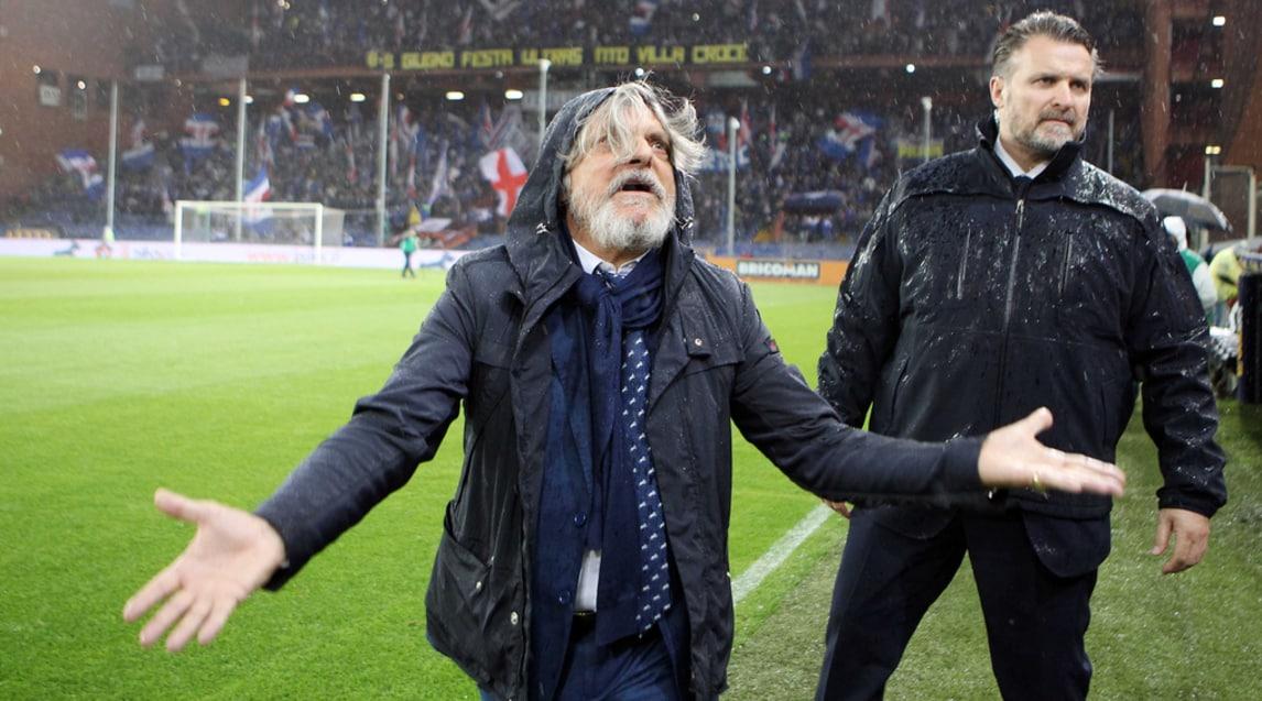 Il presidente del club blucerchiato prova a stoppare gli insulti che piovono dalla curva