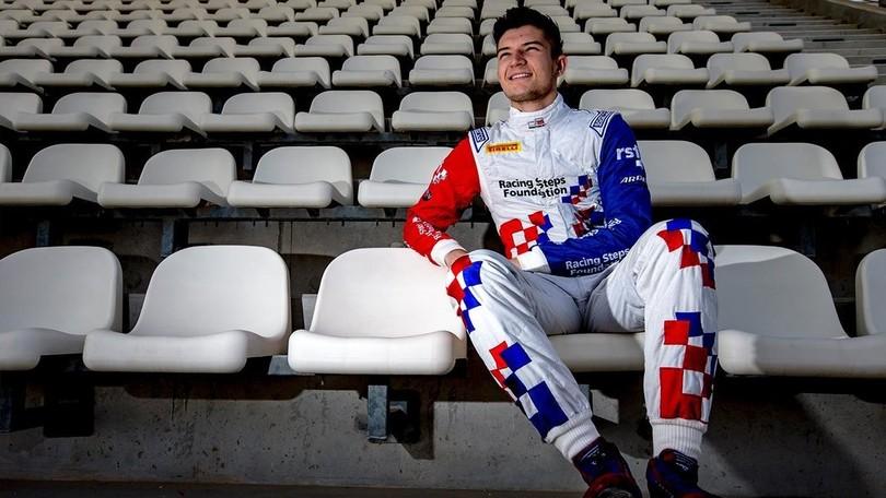 F1, test Spagna: Dennis prende il posto di Verstappen