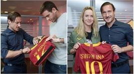 Totti incontra Elina Svitolina e Juan Del Potro a Trigoria: in regalo la nuova maglia della Roma