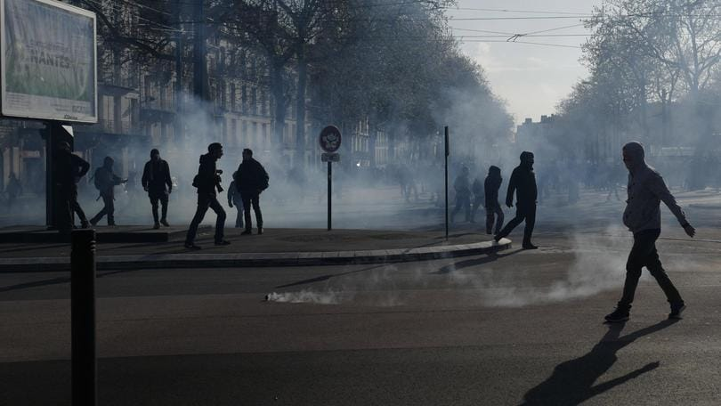 Ancora evacuata zona no global Nantes