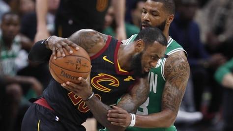 LeBron spazza via Boston, Cleveland è ancora viva