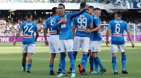 Serie A, Napoli-Crotone 2-1: Sarri chiude a 91 punti, Zenga in Serie B
