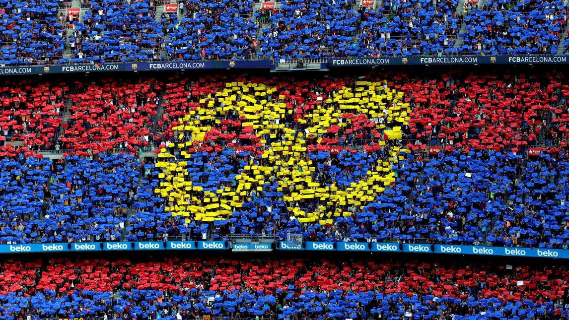 I tifosi blaugrana salutano il loro grande centrocampista