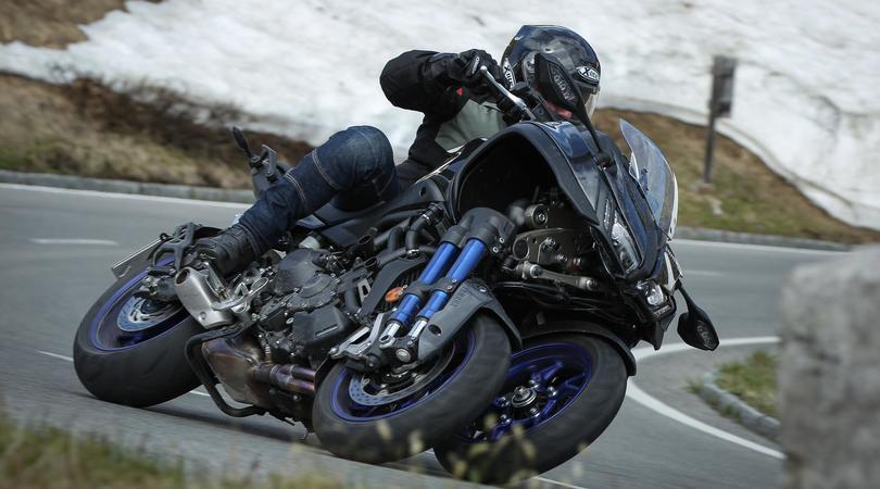Yamaha Niken, rivoluzione a 3 ruote: la prova