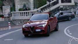 Alfa Stelvio Quadrifoglio, in pista a Montecarlo con Leclerc