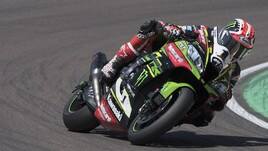 Superbike Kawasaki, Rea e Sykes affilano le armi per Donington