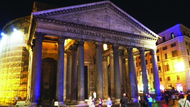 Vivere Roma by night