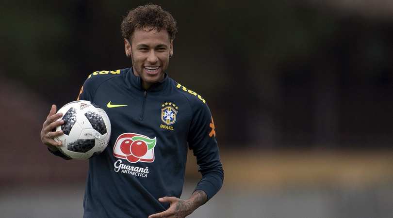 Calcio: Neymar,io al Real?non vale la pena parlarne,cavolate