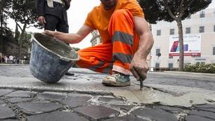 Giro, i rattoppi nelle strade di Roma non sono bastati