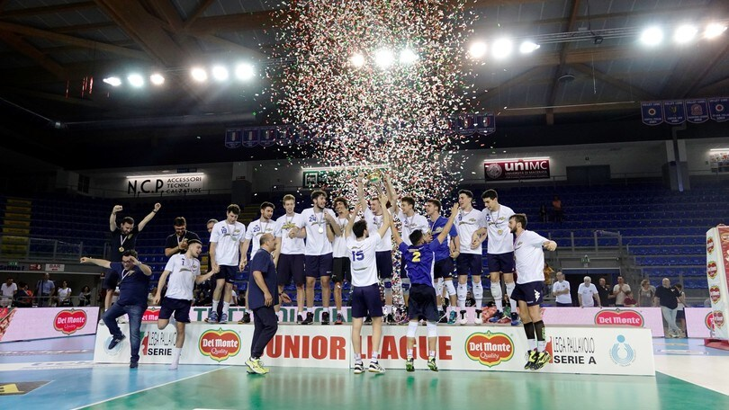 Volley: il Trofeo Serenelli lo alza la Materdomini.it