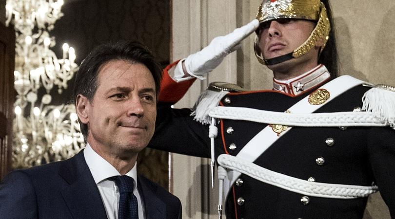 Governo, Conte rinuncia e Mattarella convoca Cottarelli