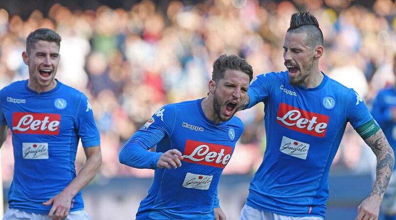 Tutti pazzi per Ancelotti: ora nessuno vuole lasciare Napoli