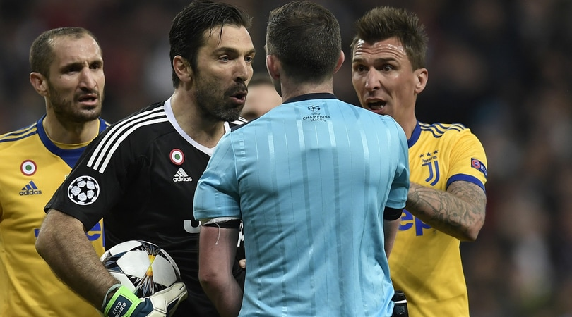 Buffon, l'Uefa apre due procedimenti disciplinari