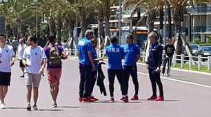 Nizza, Mancini e lo staff sui luoghi dell'attentato terroristico