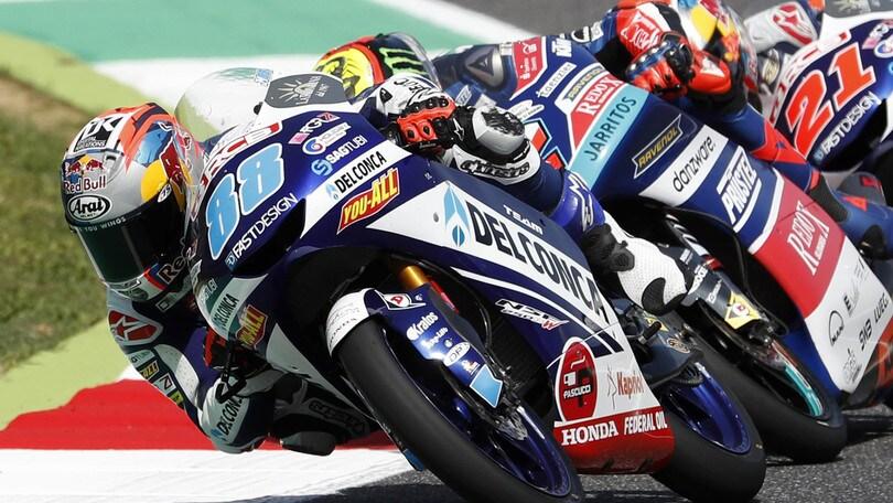Moto3 Italia, Martin davanti a Bezzecchi al fotofinish