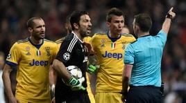 Champions League, tre giornate di squalifica per Buffon