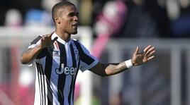 Ufficiale, Douglas Costa alla Juventus a titolo definitivo per 40 milioni