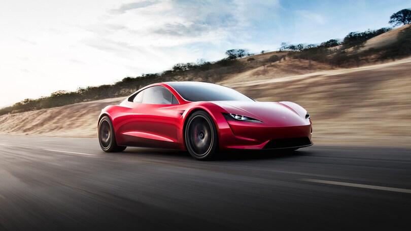 SpaceX Package, una Tesla Roadster da oltre 400 km/h