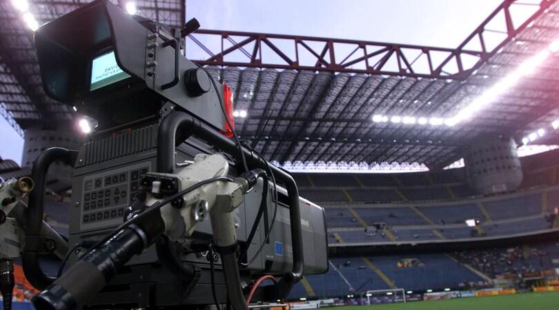 Diritti tv: ci vorranno due abbonamenti per vedere tutta la Serie A?