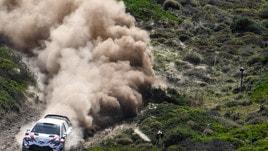 Rally Sardegna, successo di Neuville davanti a Ogier