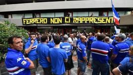 Samp: manifestazione tifosi anti-Ferrero