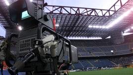 Diritti tv: Sky e Perform in corsa, Mediaset si sfila