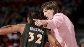 Basket, morta a 56 anni Anne Donovan