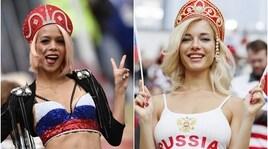 Russia: è subito spettacolo sulle tribune