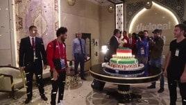 Mondiali, Salah si consola con una torta da 100 kg