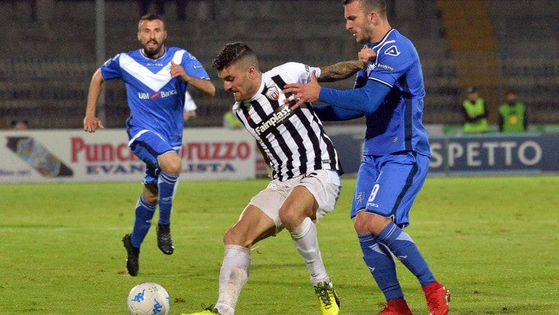 Calciomercato Pescara, serve un nuovo attaccante: spunta Monachello