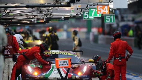 24 Ore Le Mans, Toyota ancora davanti: Alonso è in testa