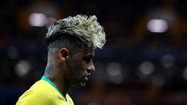 Brasile-Svizzera, Neymar in campo con il nuovo look