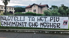 Forza Nuova contro Balotelli: «Sei più stupido che nero»