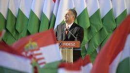 Orban, Costituzione vieterà accoglienza
