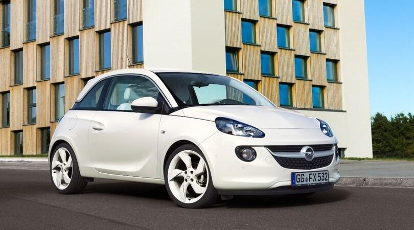 Auto per neopatentati: la gamma Opel