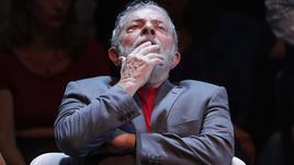 Lula commenta da carcere,critica Brasile