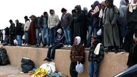 Migranti: piano Ue su centri di sbarco