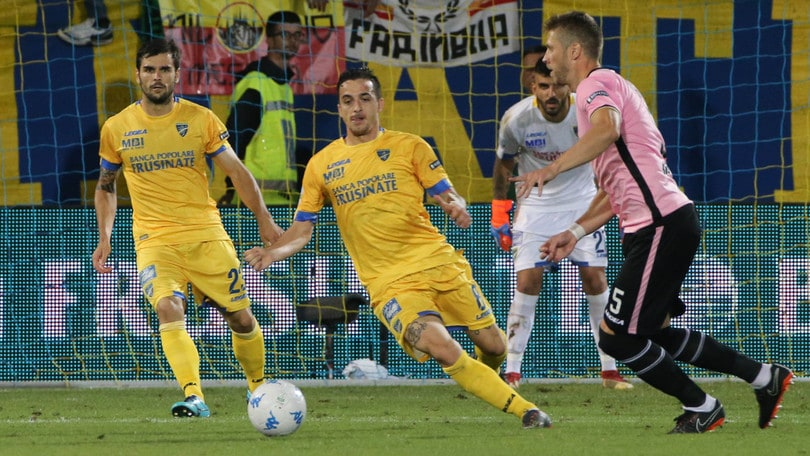 Palermo, complimenti ironici all'arbitro La Penna