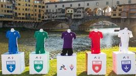 Fiorentina, le nuove maglie aPonte Vecchio